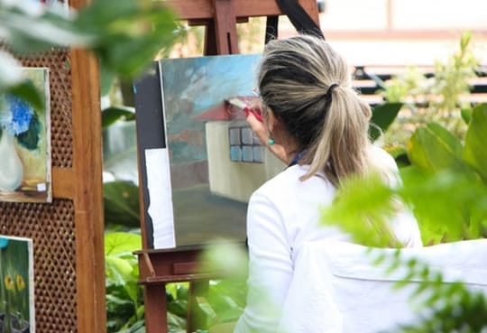 The Art Therapy That Improves Mood